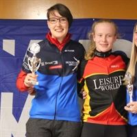 Chantal en Ceri op podium eindklassement Leisure World Regio Oost Competitie